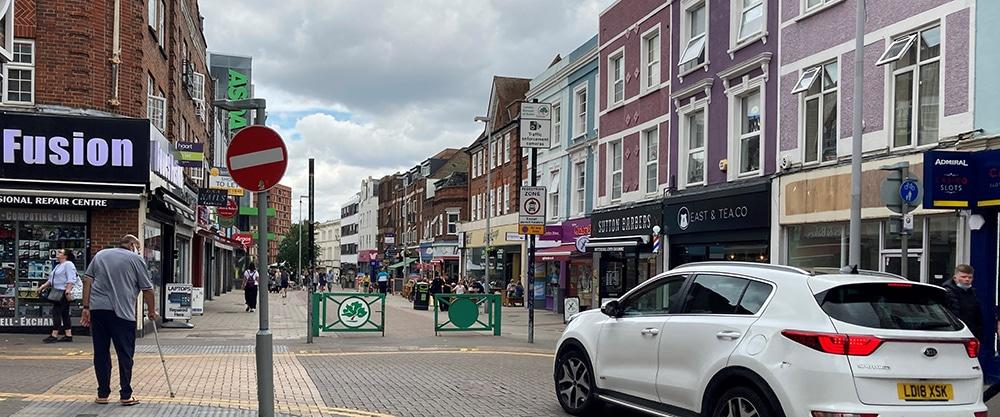 Town Centre High Street Neighbourhoods – Transport vs Place?